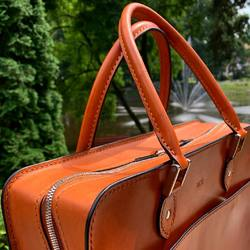 Dzień Dobry! ✂️💼 Czas na piątkowe detale 🤩 Co Wy na to, aby piątkowe posty prezentowały tylko zbliżenia i detale moich produktów?🤔🙃 Dzisiaj zbliżenie na torbę biznesową, w której pierwszy raz zastosowałem zamek #ykkexcella 🔥 🌐http://bartlomiej-poplawski.pl 🛍https://shop-bartlomiej-poplawski.pl . . . #bartlomiejpoplawski - Leatherworks #luxuryleather #styleforum #torebkadamska #stylistka #saddlebag #minimalizm #custombags #torebkanaramię #laptop #leathercraft #baglove #vintagestyle #vintageleatherbags #details #bespokeleather #bespokemakers  #luxurydetails #leatherhandmadebags #dlataty #kobietapotrzydziestce #laptopbag #onlyhandmade #kobietazklasa #listonoszka #classicwoman #luxuryleathergoods #luxuryaccessories #dlafotografa